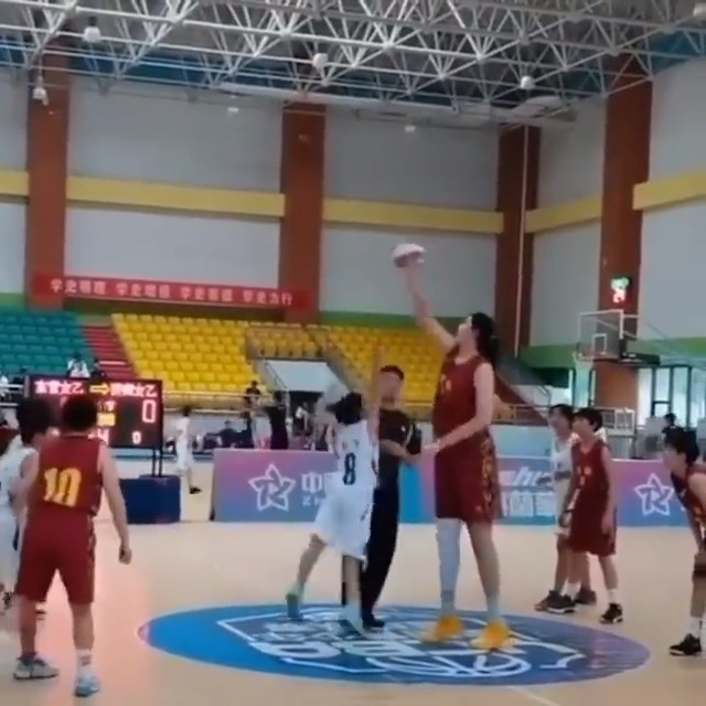 """Zhang Ziyu is 7'4"""" at just 14 years old  She's unstoppable. @highlighther  (via @globaltimesnews) https://t.co/G74hrBwwnu"""