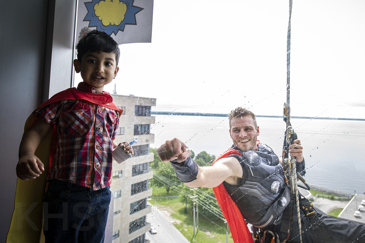 test Twitter Media - Our #healthcare heroes received some back-up today - #superheroes brought smiles to the faces of our youngest #patients. Staff from @EliteWindowC rappelled down the building to not only fight grime, but bring much needed fun & distraction to patients, family & staff. #ygk https://t.co/TLie1vccLx