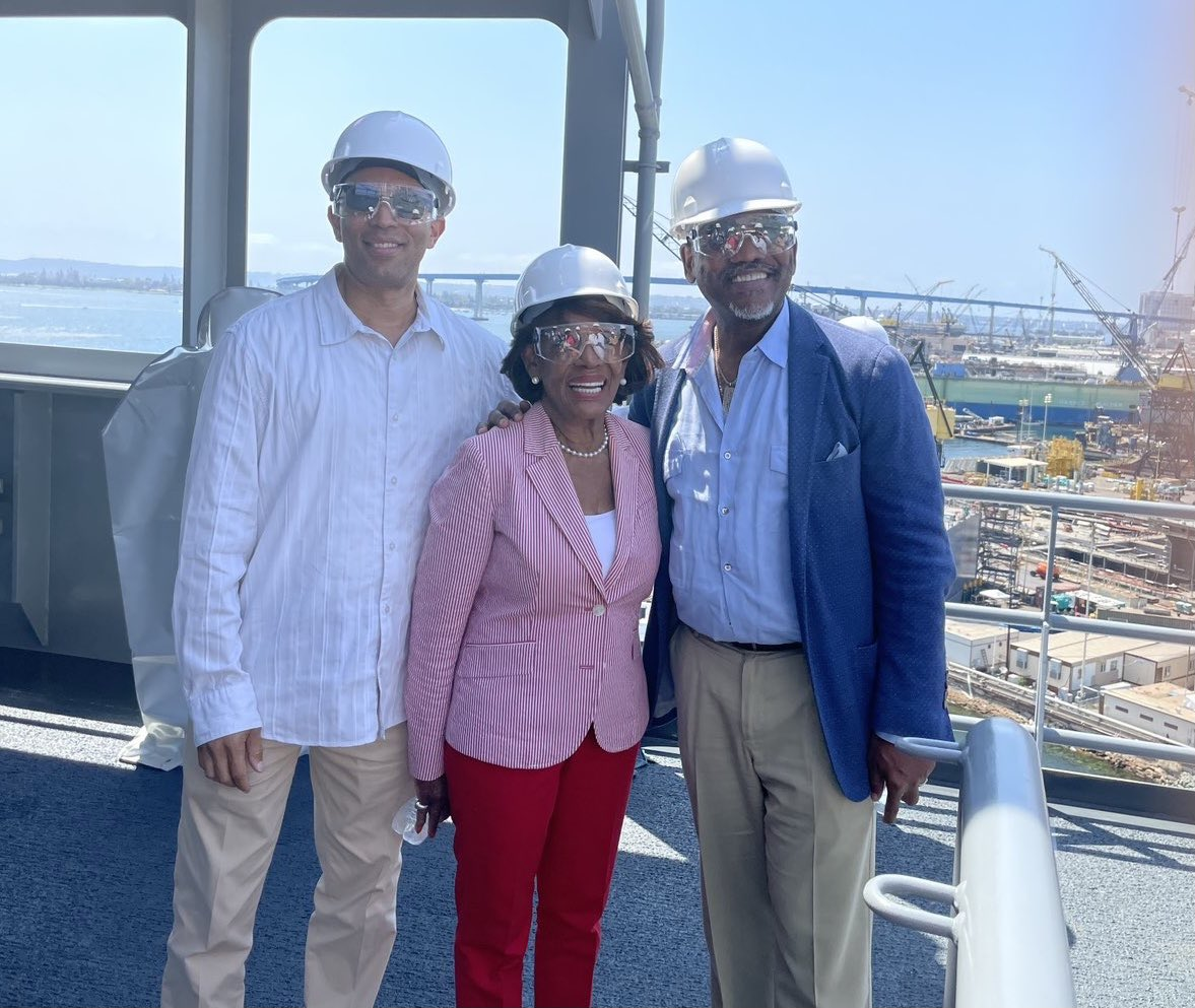 Toured the new US Navy Ship John Lewis.  Stopped on the bridge.  Met up with a few friends @RepMaxineWaters @RepGregoryMeeks. https://t.co/OZpZWfH2bb