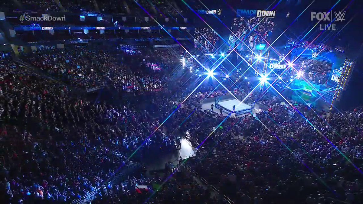 It's been 495 days.  FANS ARE BACK.   (via @WWEonFOX)  https://t.co/iGlGeXTIry