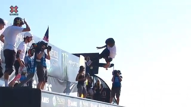 12-year-old Gui Khury lands a 1080 at the X Games 😱  @tonyhawk was there to congratulate him  (via @XGames) https://t.co/gwTLG6T6vl