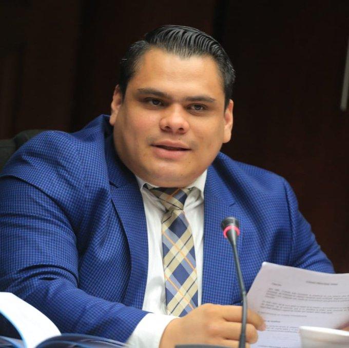 Caleb Navarro, ¿refleja vulgaridad de bancada de NI?