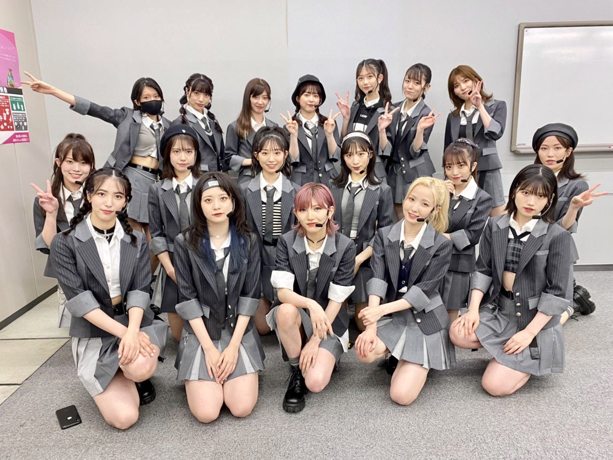 AKB48 58th Single 『 根も葉もRumor 』のセンターを 務めさせていただきます 、 なぁちゃんこと岡田奈々です 。 よろしくお願いします !
