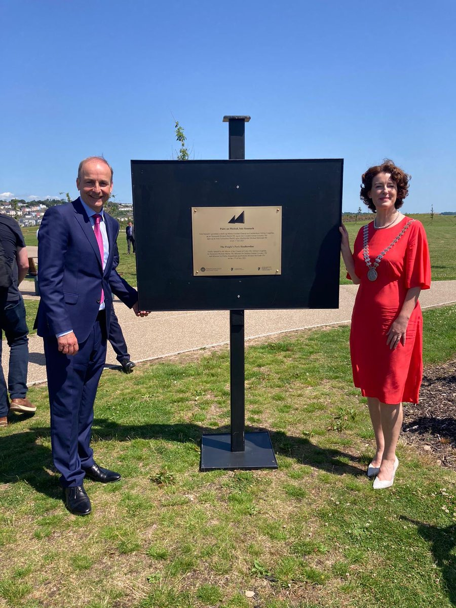 Delighted to join Mayor Gillian Coughlan, @mmcgrathtd and @simoncoveney to officially open the People's Park at Haulbowline today. It's a world class facility that will be enjoyed by generations to come. Full credit to everyone involved in its development. https://t.co/q5GlwPjYEb