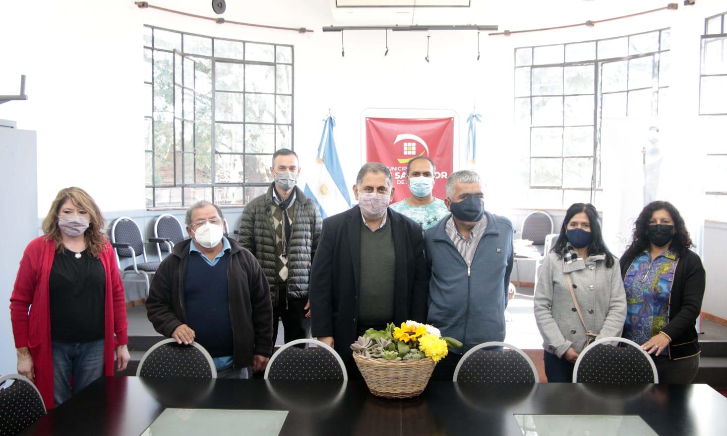 El intendente Jorge recibió la visita de la nueva comisión directiva de APPOJUY