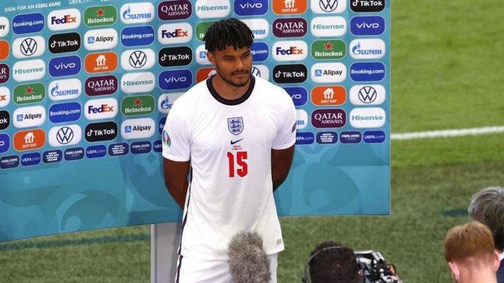 =583. Tyrone MINGS  Defender - 13.03.93 - ENG (13/0)  Prem Clubs: AFC Bournemouth (15-19), Aston Villa (19-??)  Euros Debut: 13/06/2021 (ENGLAND vs. Croatia, W 1-0)  Euro Finals: England (2021)  Euro Apps: 3 Euro Goals: 0 https://t.co/ZOaeisG4YI