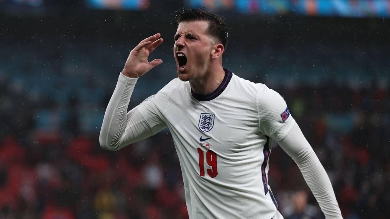 =583. Mason MOUNT  Midfielder - 10.01.99 - ENG (21/4)  Prem Clubs: Chelsea (17-??)  Euros Debut: 13/06/2021 (ENGLAND vs. Croatia, W 1-0)  Euro Finals: England (2021)  Euro Apps: 5 Euro Goals: 0 https://t.co/JNg6MbT5Ci