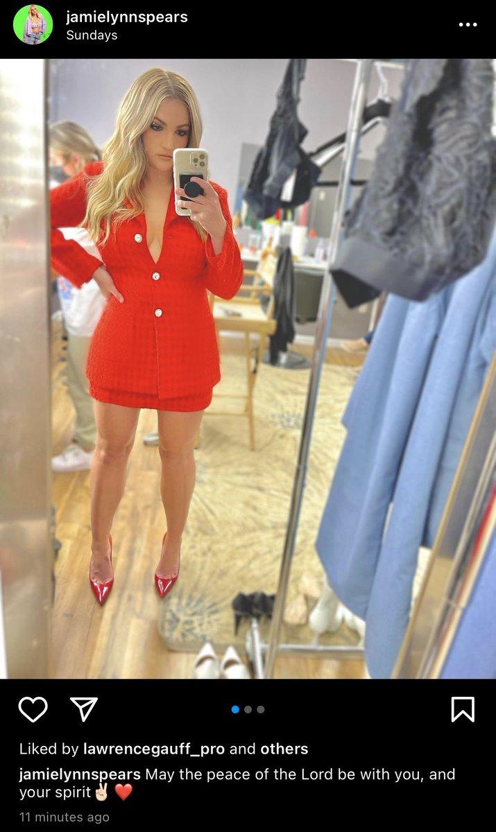 "Britney Spears >> single ""Swiming In The Stars""  - Página 20 E6l0U_vX0AEBihC?format=jpg&name=medium"