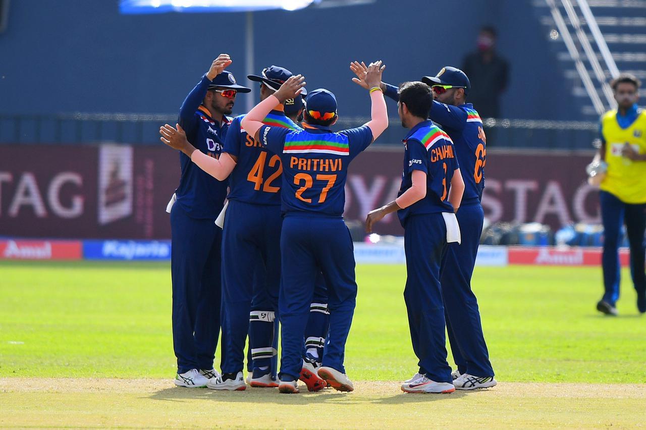 भारत ने श्रीलंका को पहले एकदिवसीय क्रिकेट मैच में सात विकेट से हराया