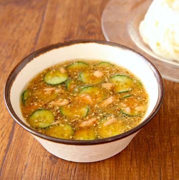 涼しげで美味しそう!素麺をより美味しく食べられそうな、冷や汁風レシピ!
