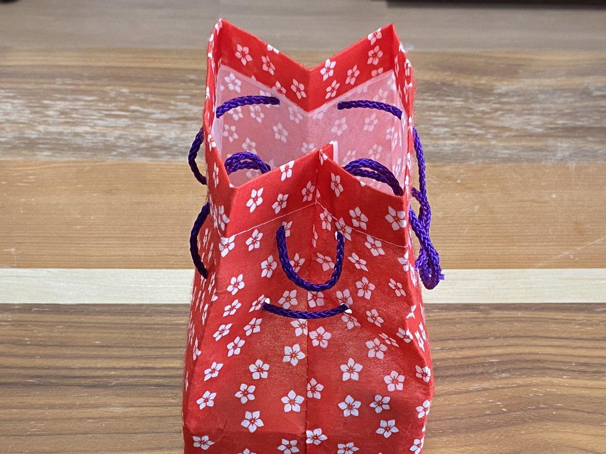 もうそれにしか見えない!不敵な笑みを浮かべているように見える信玄餅の袋の写真が話題に!