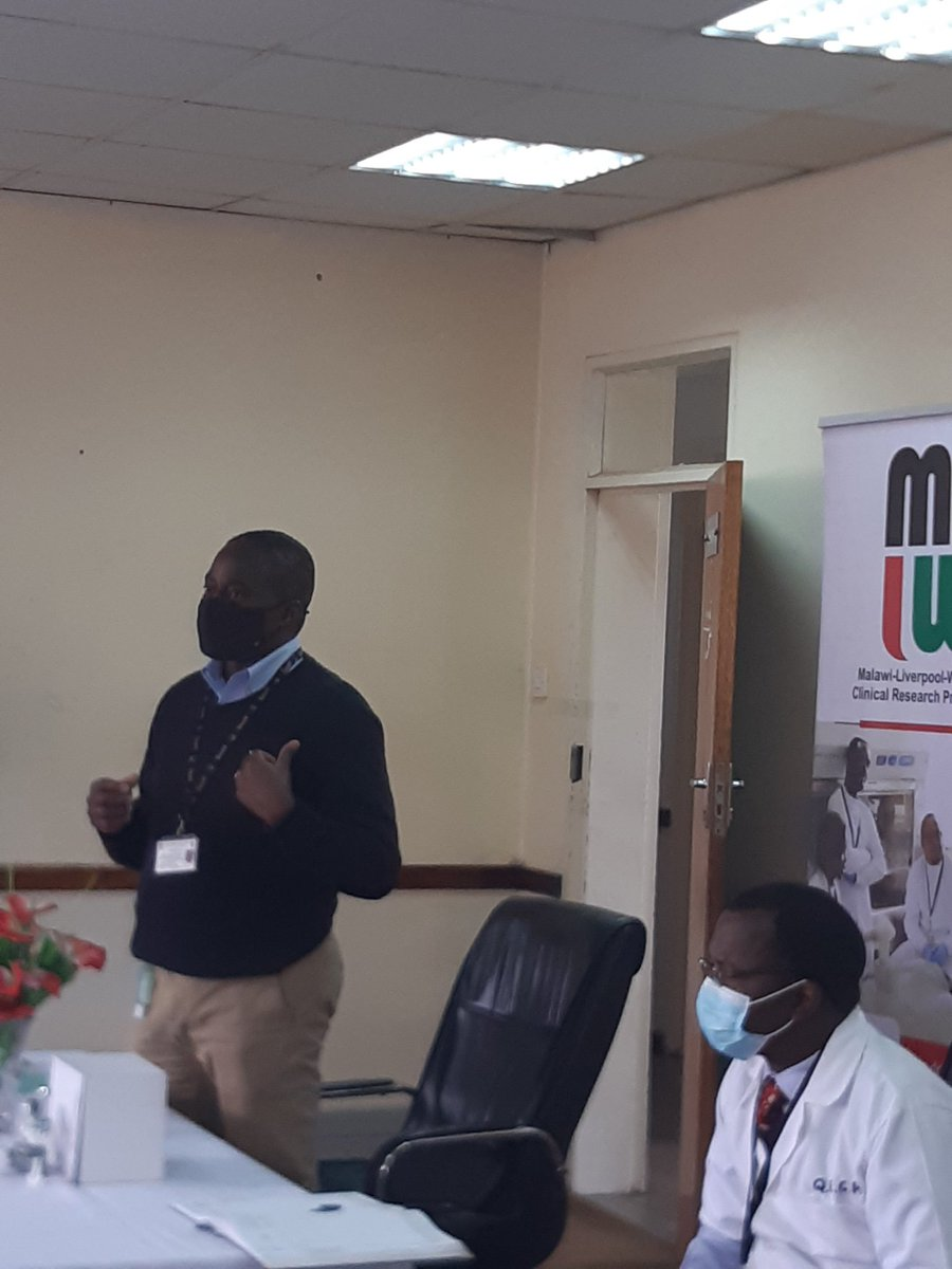 Acting Director of MLW Professor Henry Mwandumba (standing) says he is pleased that the oxygen cylinders and flow meters are now in Malawi to assist through the third wave of COVID pandemic in Malawi.  He promises that MLW will continue making efforts to fight the pandemic. https://t.co/94jmNN83Ku