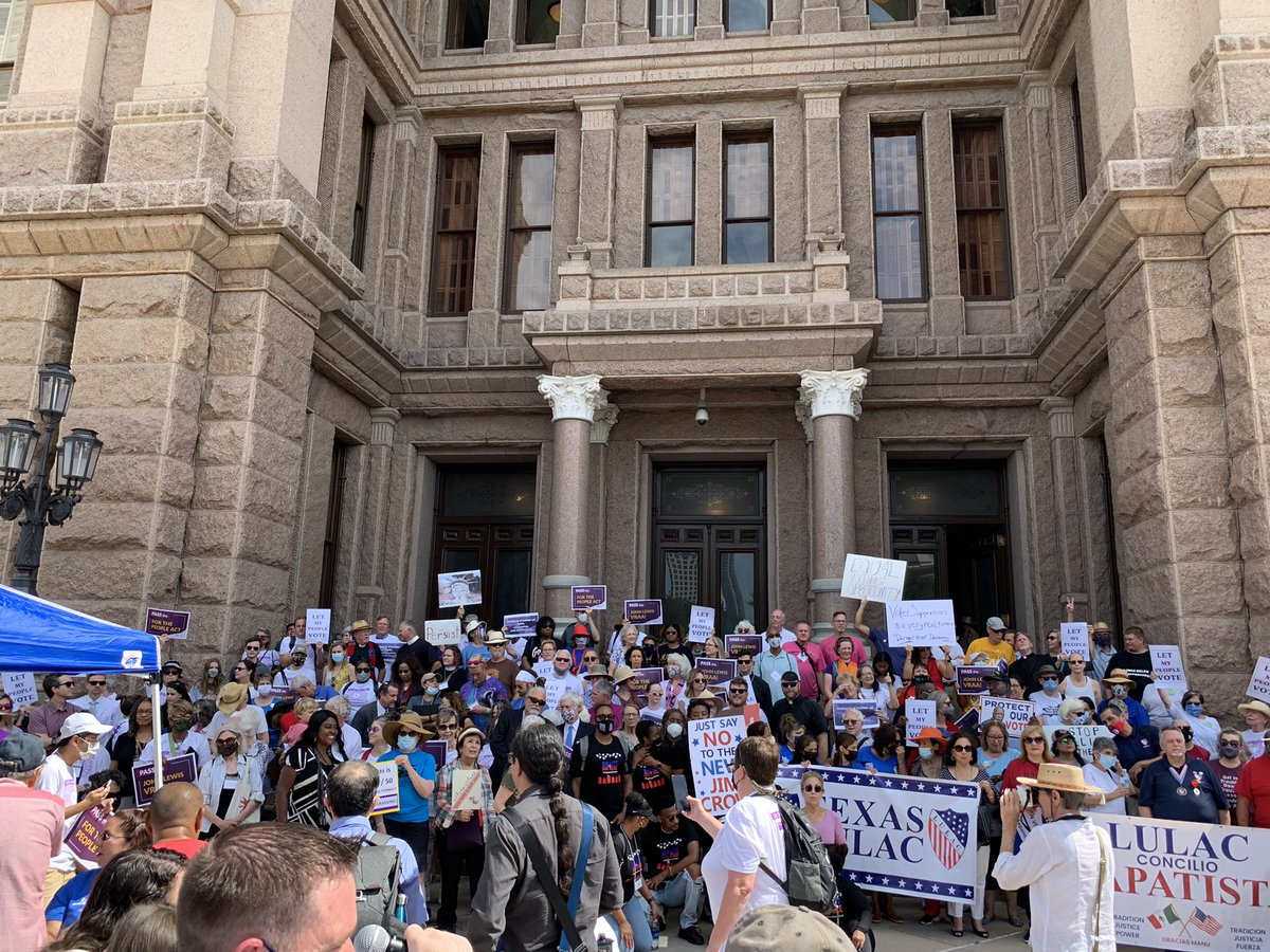 Let My People Vote Rally for voting rights taking place at the Capitol with @TXImpact and faith communities from across the state rallying in defense of voting rights!   #LetMyPeopleVote  #txlege https://t.co/Ra9VSrA9Bi