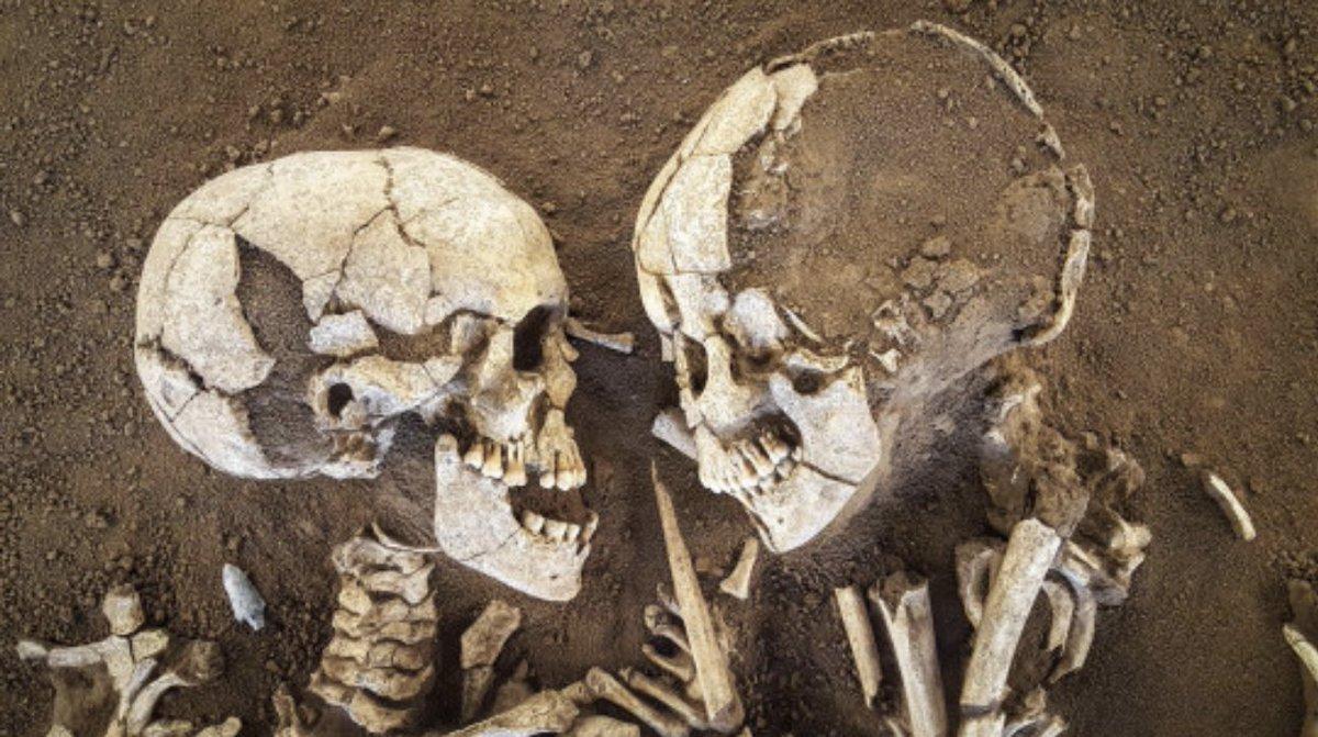 6000年の時を経て?イタリアのサンジョルジョの墓から6000年前の恋人が発見される!
