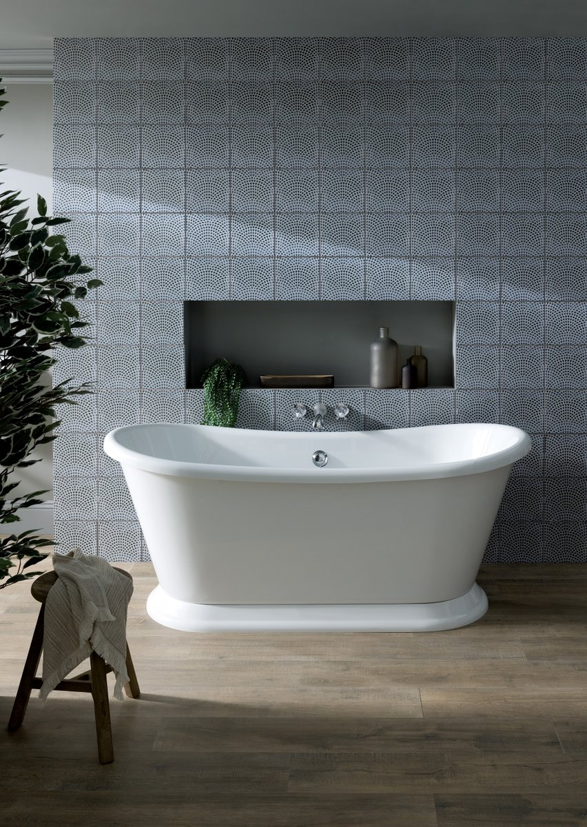 .@BBayswater have added new slipper boat baths to their portfolio, adding elegant style to bathrooms. Available in Gloss White, Plummett Grey or Stiffkey Blue. Available to order now, with stock arriving in August. #bayswaterbathrooms #slipperbaths #freestandingbaths