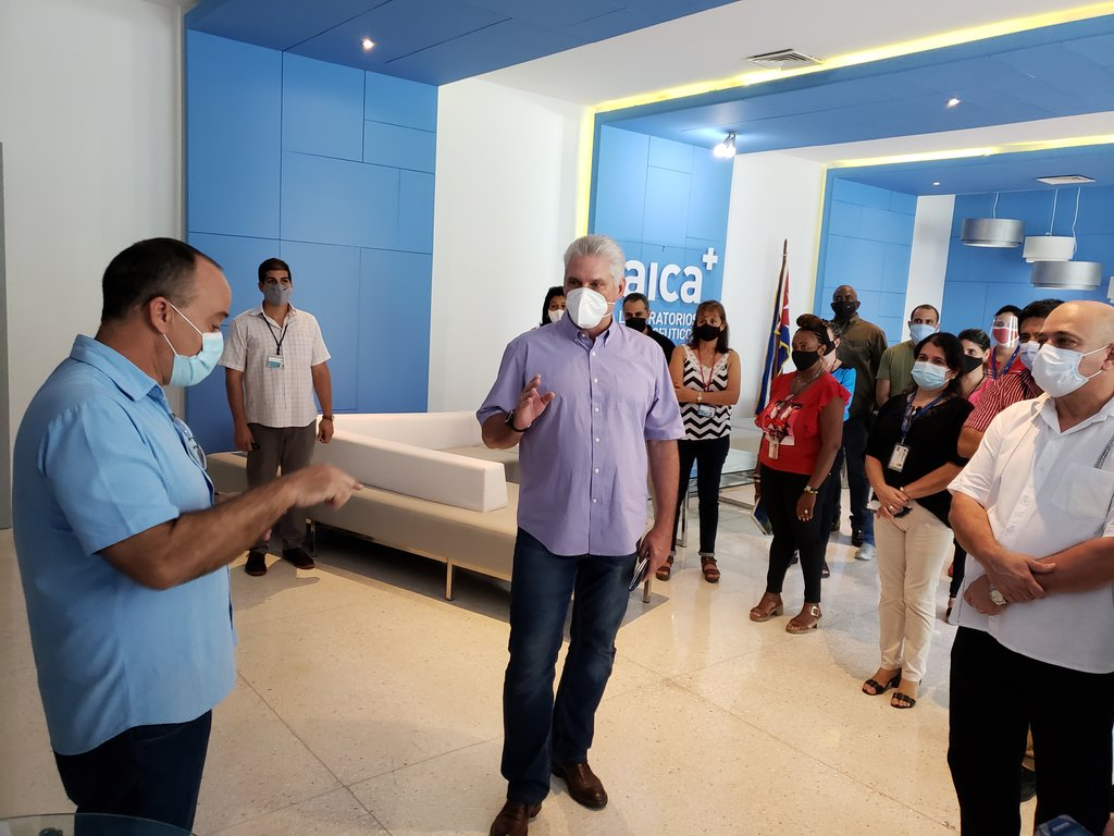 Presidente de Cuba visita Laboratorios Farmacéuticos AICA y Planta de Insumos Médicos (+ Foto)