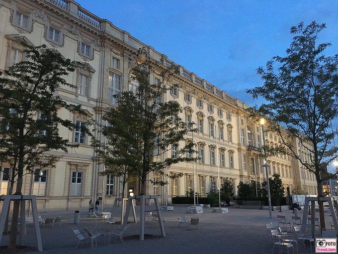 Nach dem Wiederaufbau des Braunschweiger Residenzsc