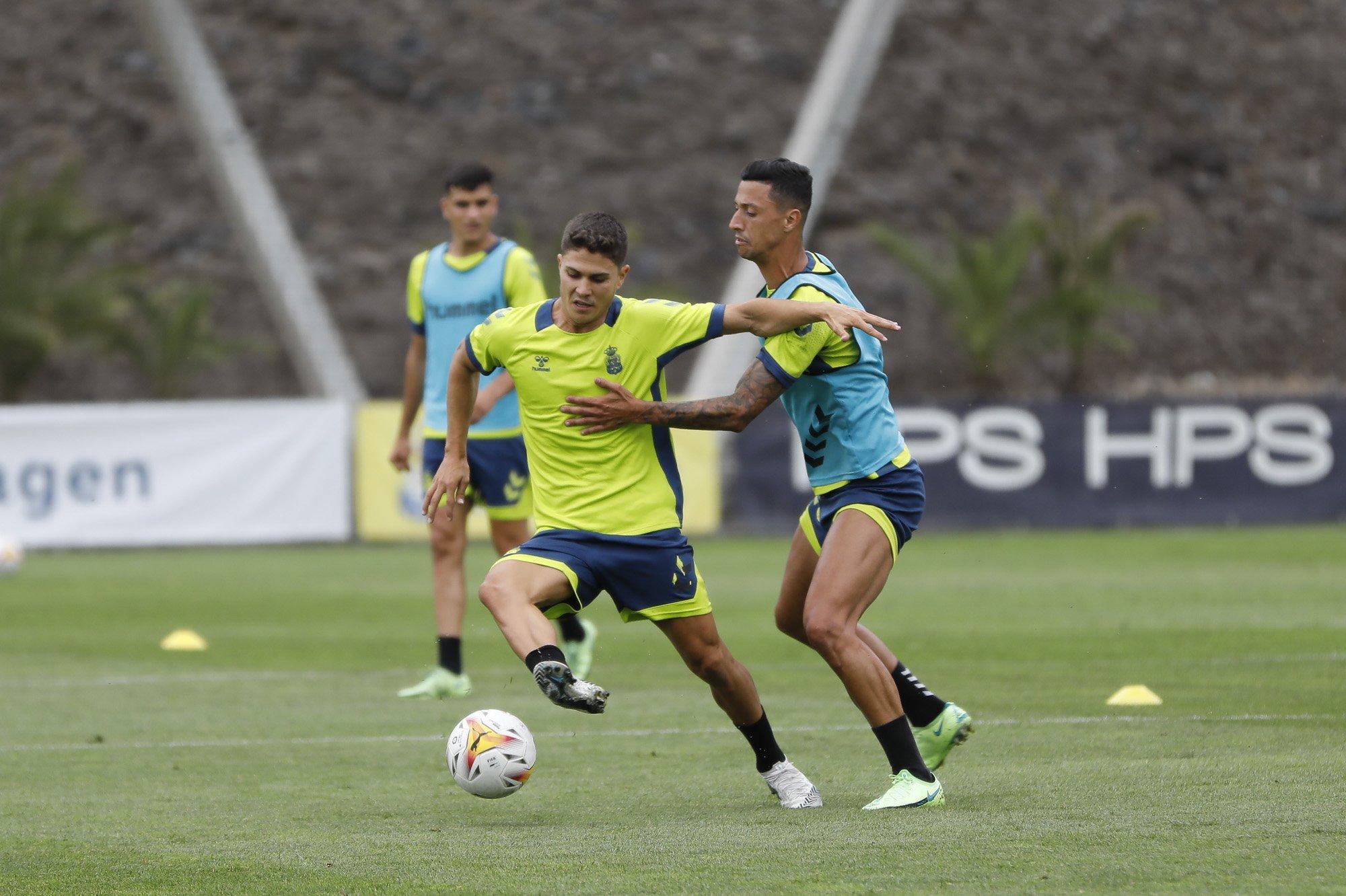 Último entrenamiento de la UD Las Palmas en Barranco Seco antes de partir hacia Marbella. Imagen Twitter UD Las Palmas