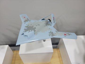 كشفت MiG عن ثلاثة نماذج لطائرات ذات تصميمات متقدمة. E6ufuE5WYAMBZf8?format=jpg&name=360x360