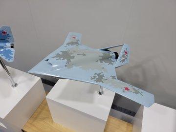 كشفت MiG عن ثلاثة نماذج لطائرات ذات تصميمات متقدمة. E6ufvAhWYBwAV8O?format=jpg&name=360x360