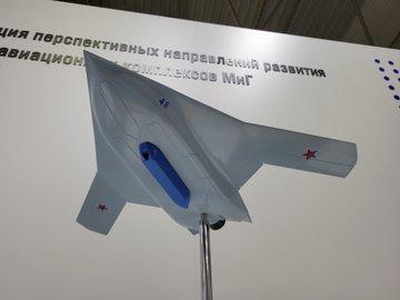 كشفت MiG عن ثلاثة نماذج لطائرات ذات تصميمات متقدمة. E6ufwCYWYC0M2_2?format=jpg&name=360x360