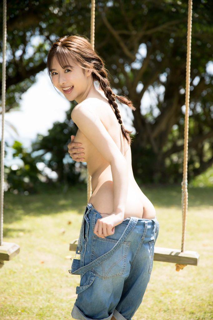 栗山莉緒 KURI-KURIって写真集の名前、可 1