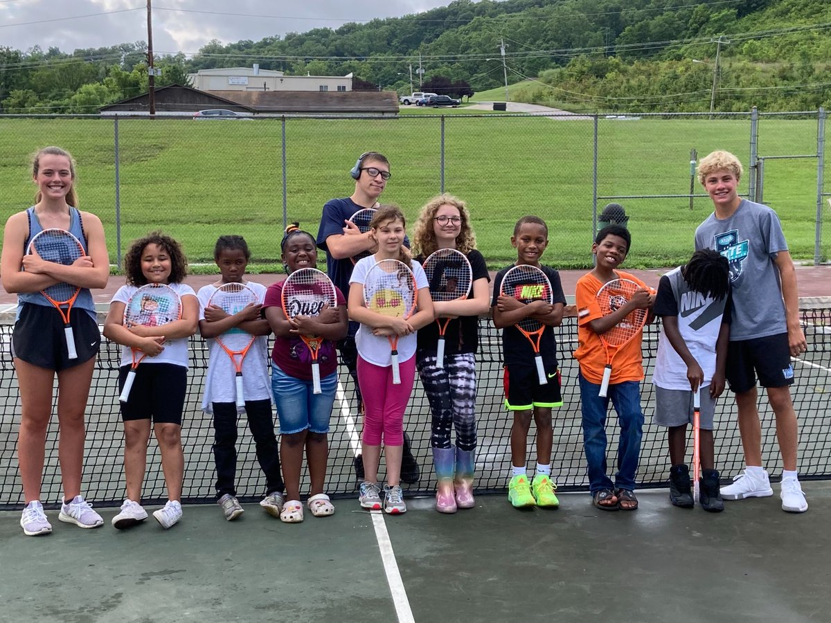 Thanks to these awesome Villa students athletes for coming out and teaching our kids some tennis 🎾