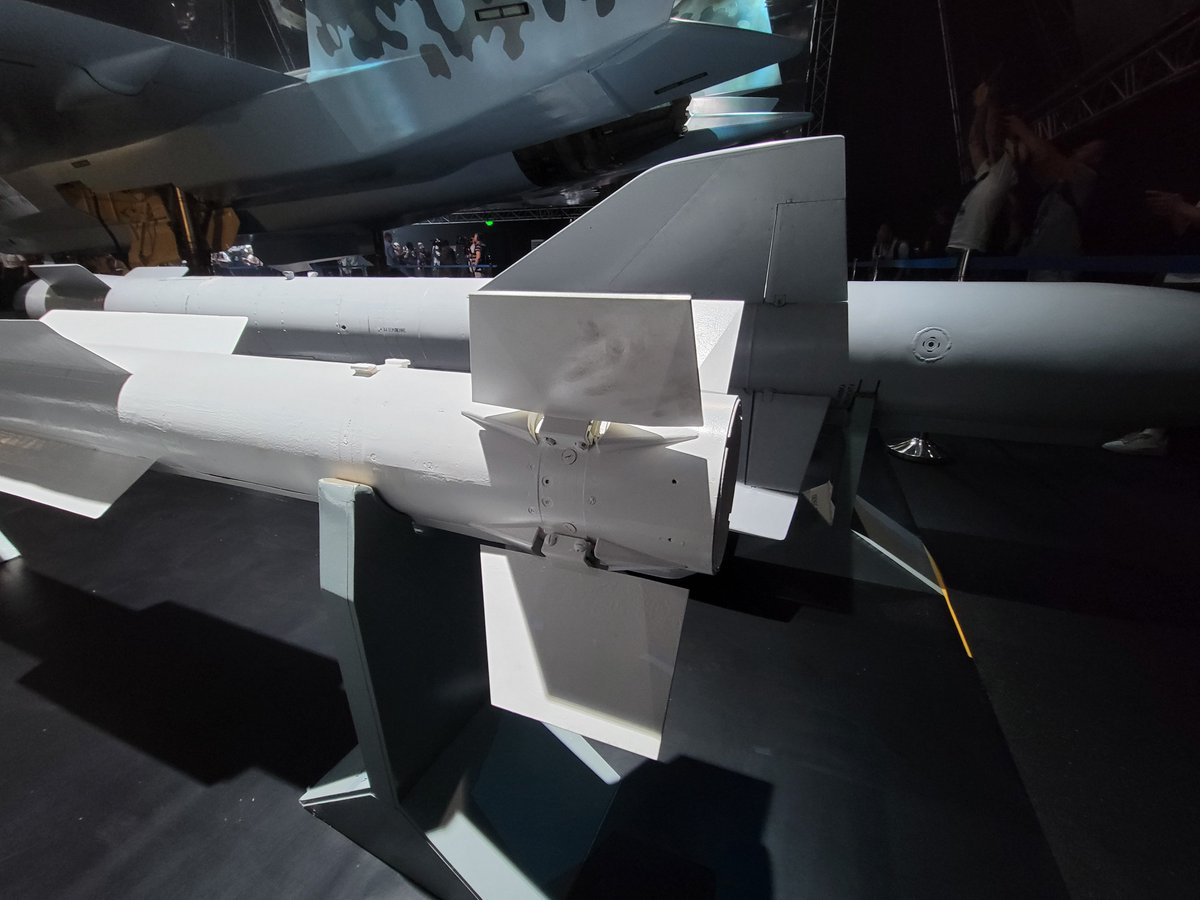 First sighting of the Product 180 upgrade of the R-77/A-12, a medium range missile with an active seeker. The 180 may be known as AA-X-12C by NATO. More information here: https://t.co/rh8pplPyz2