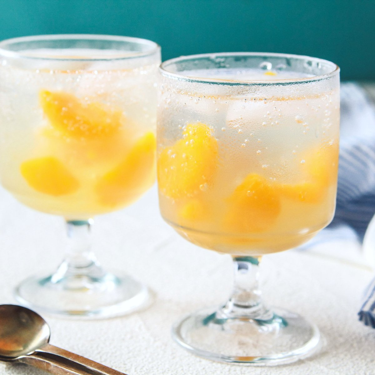 涼しげで今の季節に凄く良さそう!ゼリーを使ったレモネードのレシピ!
