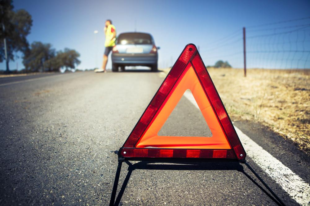 Sommer, Sonne, Reifenpanne: FinanceScout24 verrät, wie man sicher Auto-Ferien im Ausland macht. #Ferien #Versicherung #Auto #Campertrend #Ausland @diemobiliar @Ringier_AG @RAS_Schweiz  https://t.co/1z9pH07JbA https://t.co/2UuKNArQwX