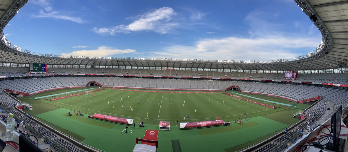 How quiet is quiet?   You can hear the Swedish players and U.S. players shouting on the field, even with the piped in crowd noise.   Live coverage from Tokyo: https://t.co/rmHtNoSdqz https://t.co/ZNDyhfXaSx