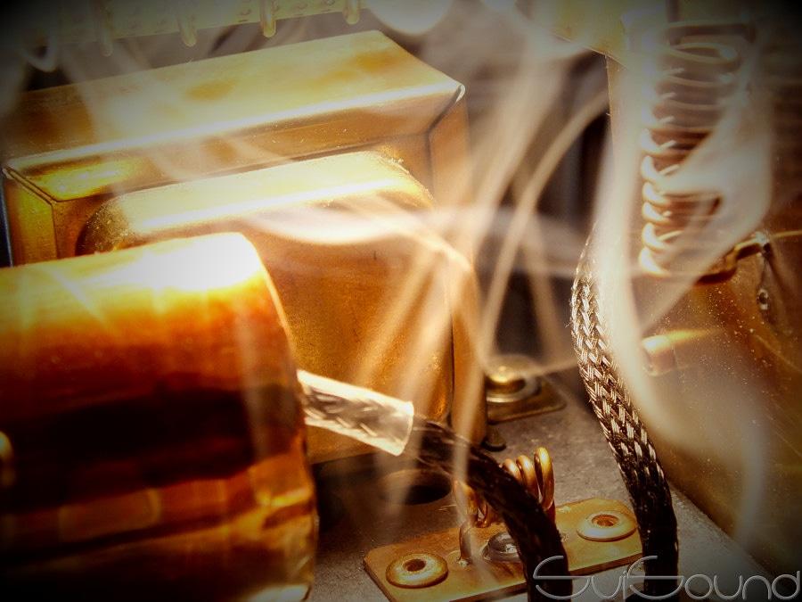 Inside #tube #amplifier #WarmCopper . Too hot...
