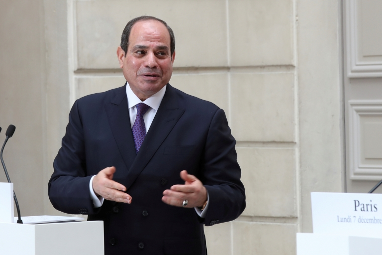 السيسي يعلن عن نية الحكومة المصرية زيادة أسعار رغيف الخبز المدعم
