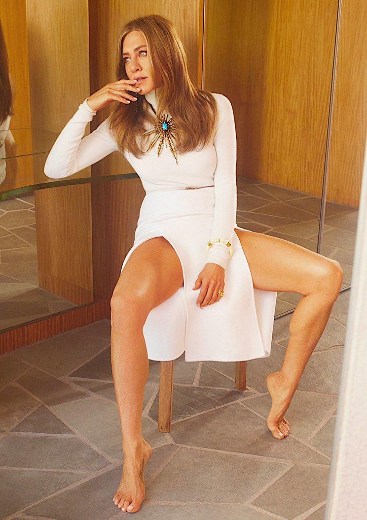 @capfriends's photo on Jennifer Aniston