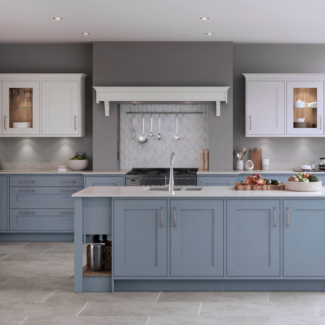 Why should you choose a Marlborough kitchen? ⭐ Sophisticated silk painted shaker ⭐ 27 on-trend colours ⭐ Timeless design features . 🏡 Marlborough in Coastal Mist and White