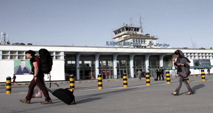 अफगानिस्तान में हिंसा बढ़ने के बाद कई शहरों से वाणिज्यिक विमान यात्रा सेवाएं स्थगित