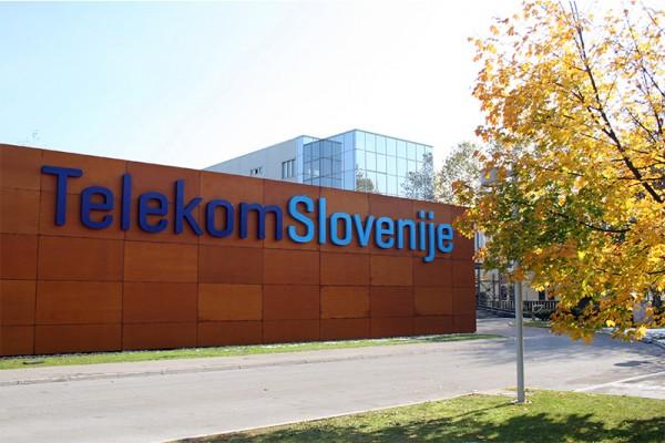 test Twitter Media - FYI: Found this > Telemach sues Telekom Slovenije https://t.co/C27ZsY3R5V https://t.co/kIxNXx32Vz