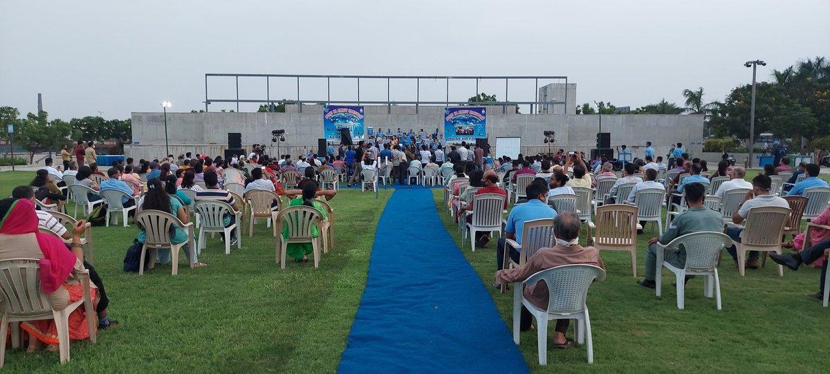 IAF band enthralls Ahmedabad public at Sabarmati Riverfront