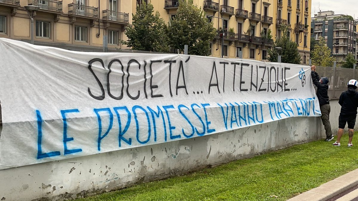 """Fabrizio Romano on Twitter: """"Romelu Lukaku deal. Banner from Inter ultras  at club headquarters in Milano: """"Board... pay attention... promises should  be kept"""". 🔵 #CFC #Inter Chelsea are preparing a new official"""