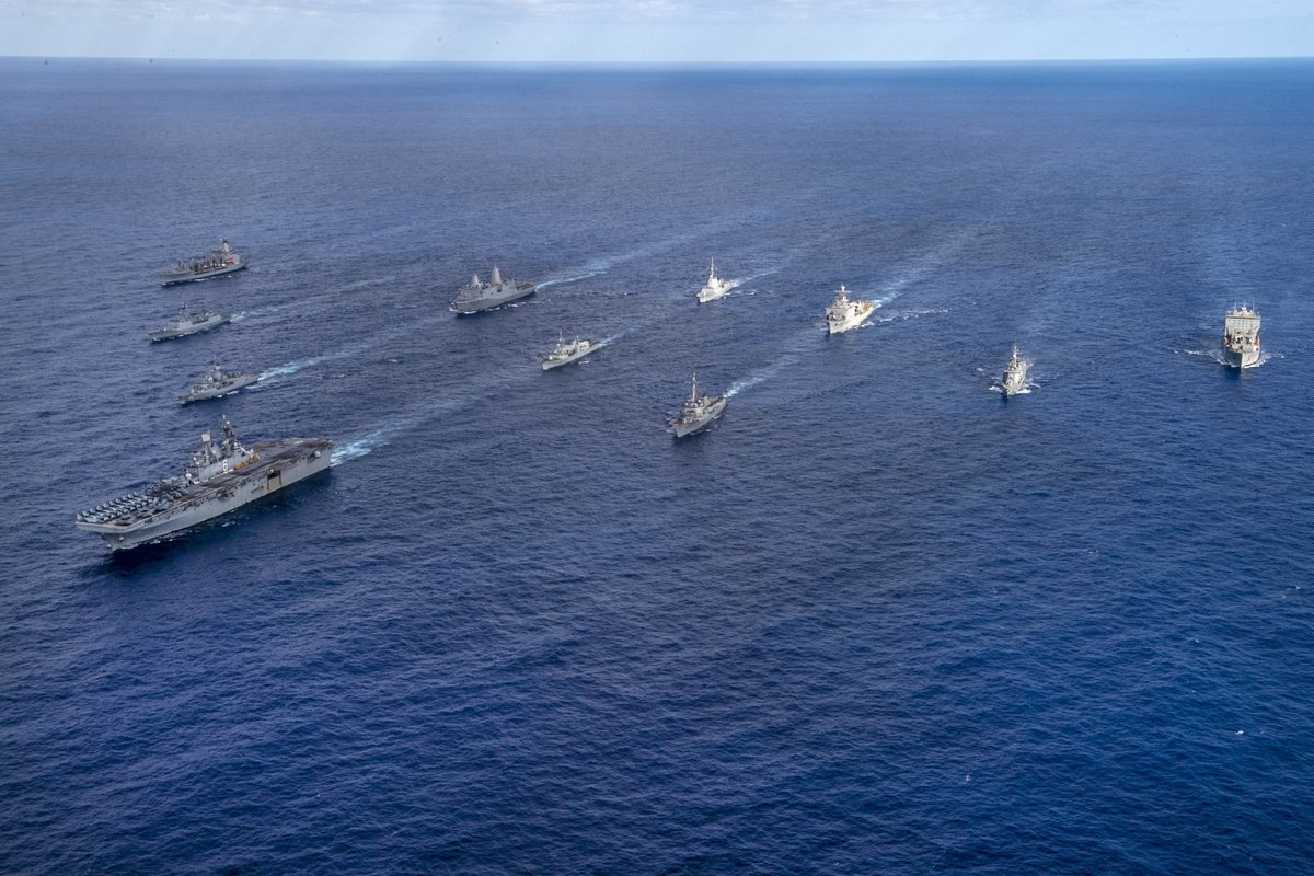 #TS21 is a massive undertaking with seven nations across multiple domains strengthening alliances and ensuring a #FreeandOpenIndoPacific.  Here are ships from the @USNavy, @RoyalCanNavy, @Australian_Navy, @jmsdf_pao_eng and #ROKNavy sailing in formation. https://t.co/fOr9hgh5SV