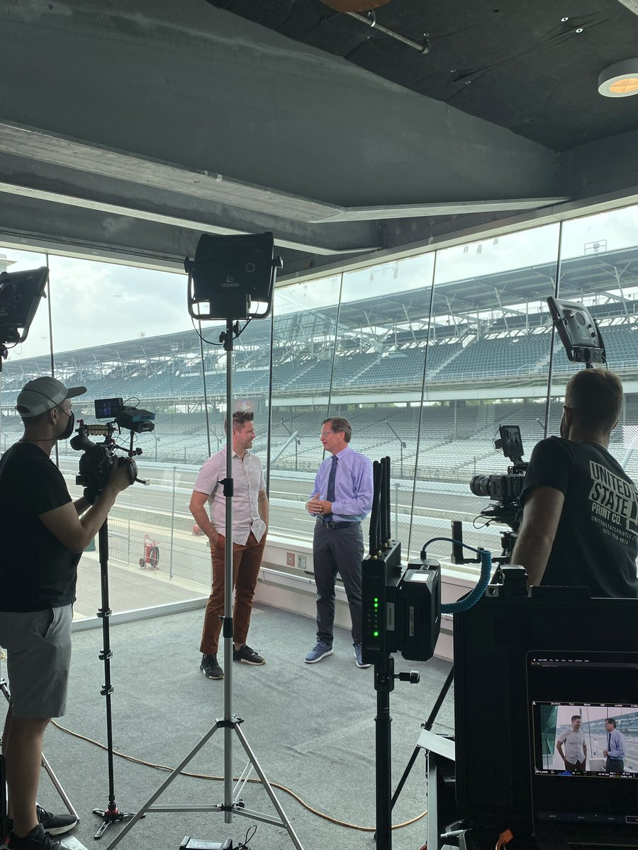 Another busy day at the Racing Capital of the World today!  Thanks to @hgtv for stopping by to chat with @jdouglas4 all about #IMS. https://t.co/aYzOiWOorf