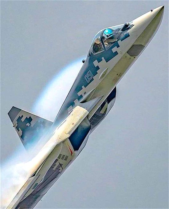 Su-57 Stealth Fighter: News #7 - Page 32 E7AYg5ZXsAQwtQq?format=jpg&name=small