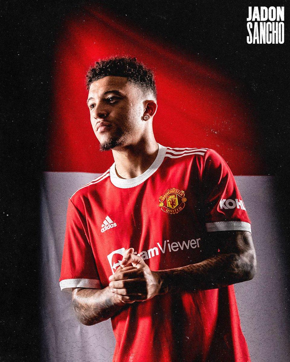 Sweet dreams, Reds 🥰  #MUFC @Sanchooo10 https://t.co/l3TbQPk58Z