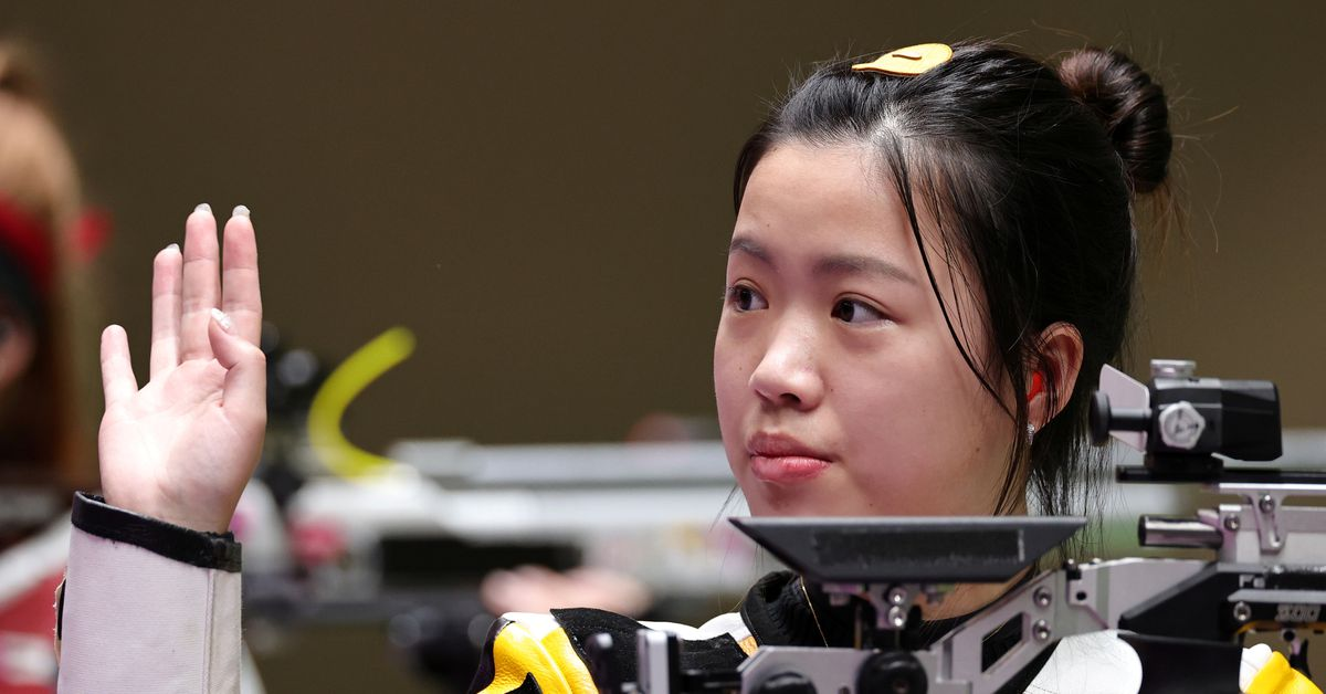 Shooting-China's Yang wins first gold medal of Tokyo Olympics https://t.co/i6Bl8hsmj3 https://t.co/OvxWcEdejQ