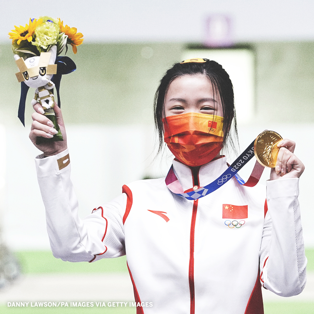 The first gold medal of #Tokyo2020 goes to China's Qian Yang 🥇  She finished with an Olympic record 251.8 in the women's 10-meter air rifle. https://t.co/k4nvNJBmhb