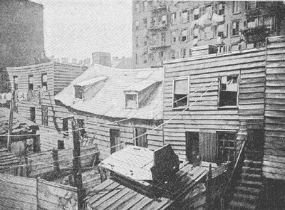The first photo is how the Whites lived in NYC in 1879. The other is how my Ponca, Pawnee and Kiowa ancestors lived on their ancestral homeland on the Great Plains. US leaders told Native Americans their homes were inferior to the White man's and this myth is now standard history https://t.co/la6cLZWCen