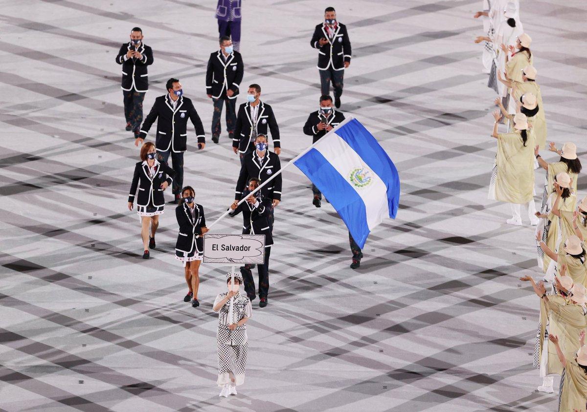 Le mando todo mi amor y le deseo una gran suerte al equipo Salvadoreño. Que estoy súper confiado que van a representar con orgullo a nuestro Pulgarcito. A competir con pasión y a ganar oro! #Olympics 🇸🇻🇸🇻🇸🇻🇸🇻 https://t.co/gyjiFAVZIu