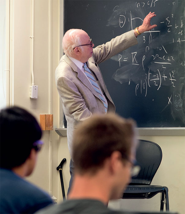 One of the greatest theoretical physicists of the 20th century, a profound teacher and 1979 Physics Nobel Laureate, Steven Weinberg has passed away today.  He had the ability to write and communicate physics with utmost clarity and elegance. He will be greatly missed. https://t.co/etqMJybTMI