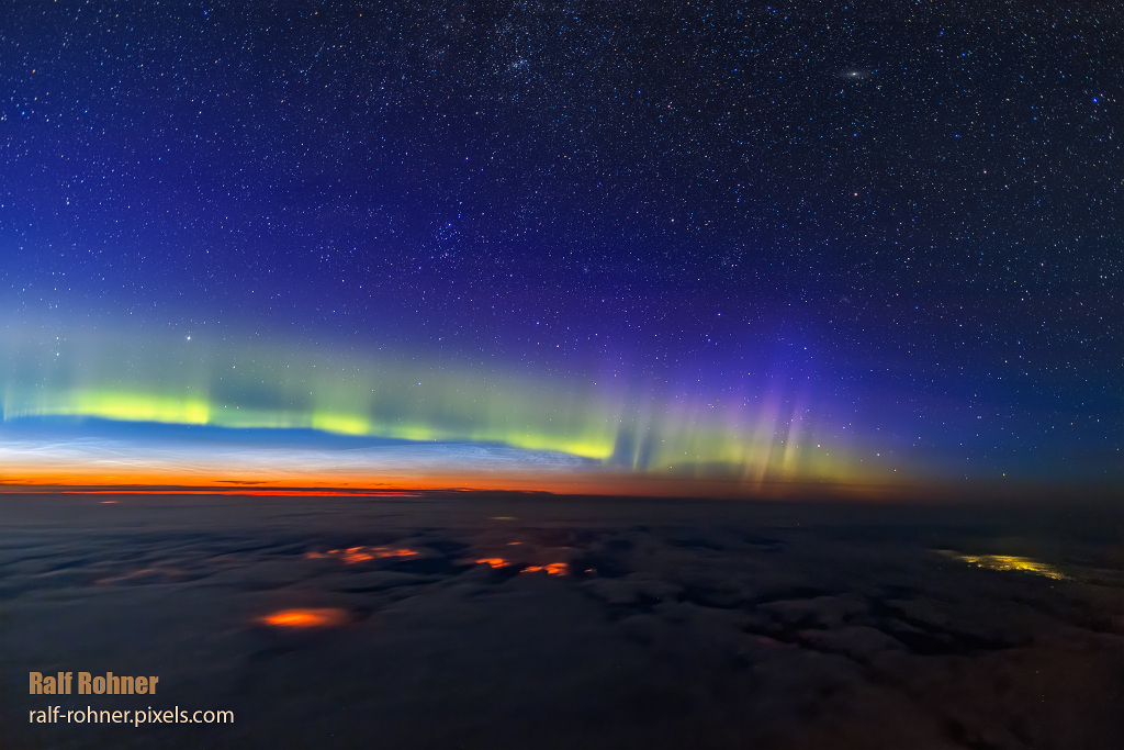 #Astronomy picture of the day: The Edge of Space via @NASA  #Photography #NASA #Space https://t.co/Wx7QqrXwIK