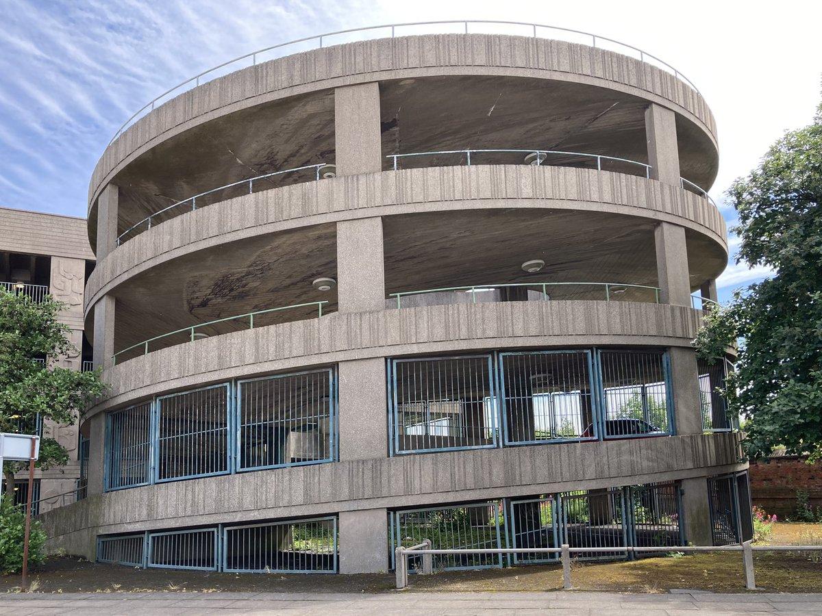 Car park 😍 Grimsby   #concrete #brutalism #municipal #architecture #infrastructure #art #poetry #towncentres https://t.co/3HL4pKB33O